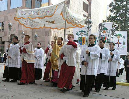 Picture of a Corpus Christi Procession in Charlotte, North Carolina, courtesy of Wikipedia.